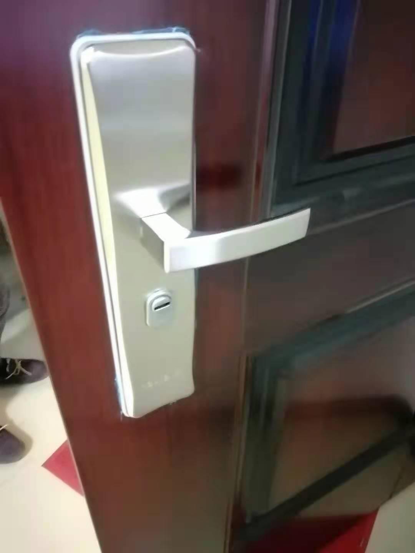 中塘镇开锁电话、开锁换锁、防盗门开锁换锁电话